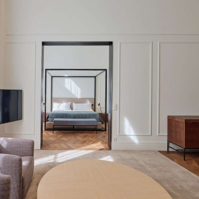 kozmo_suite_living_room