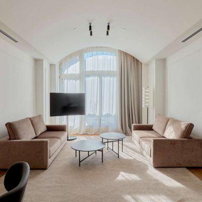 kozmo_two_bedroom_suite_Living_room